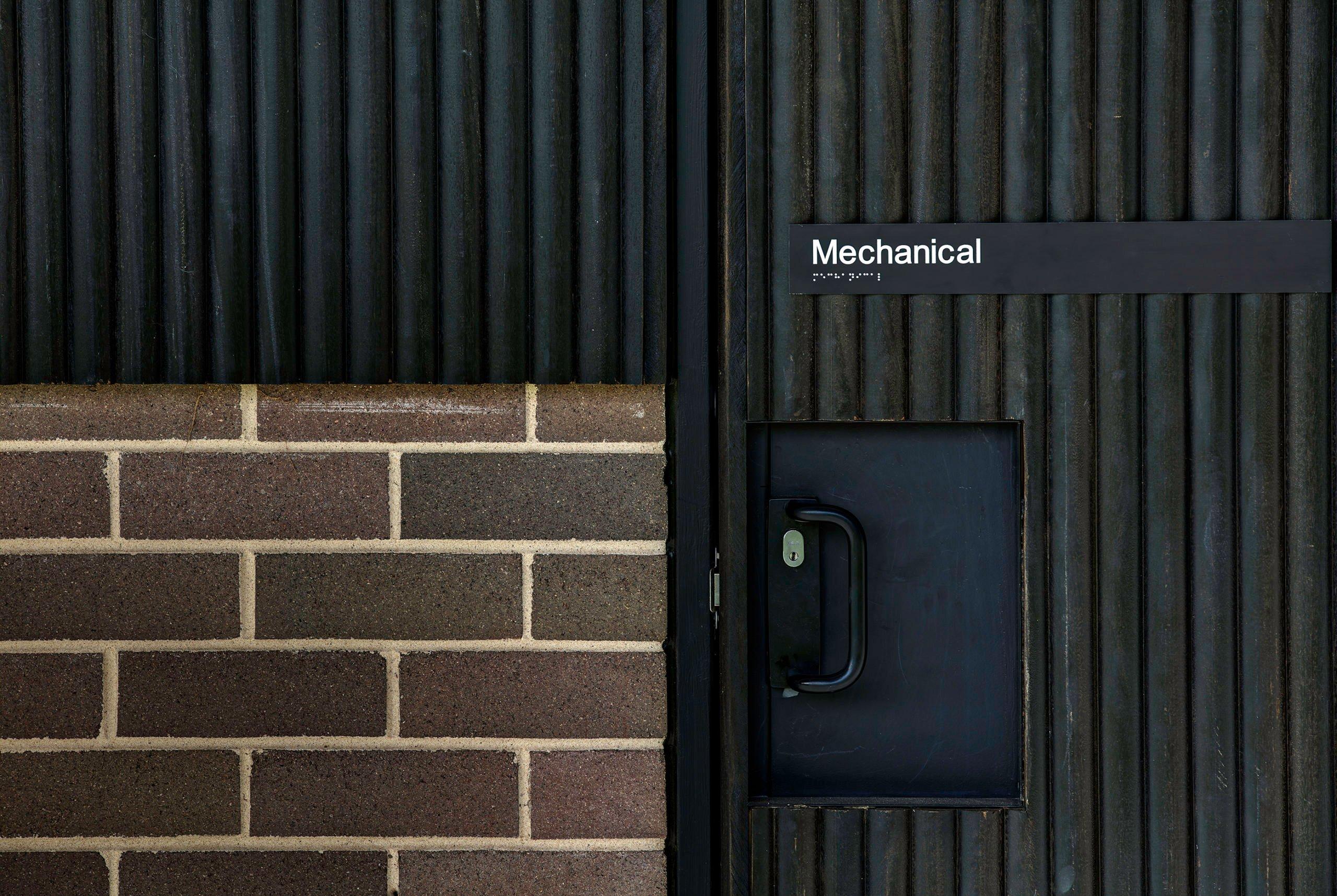 CARTERWILLIAMSON_PHOTO-Brett-Broadman_WoodcroftCommunityCentre_Endure-Cladding-Close-Up-2-scaled
